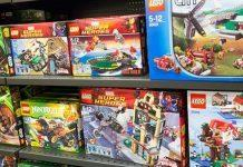 This page contains buying suggestions of popular LEGO building sets suitable for children.