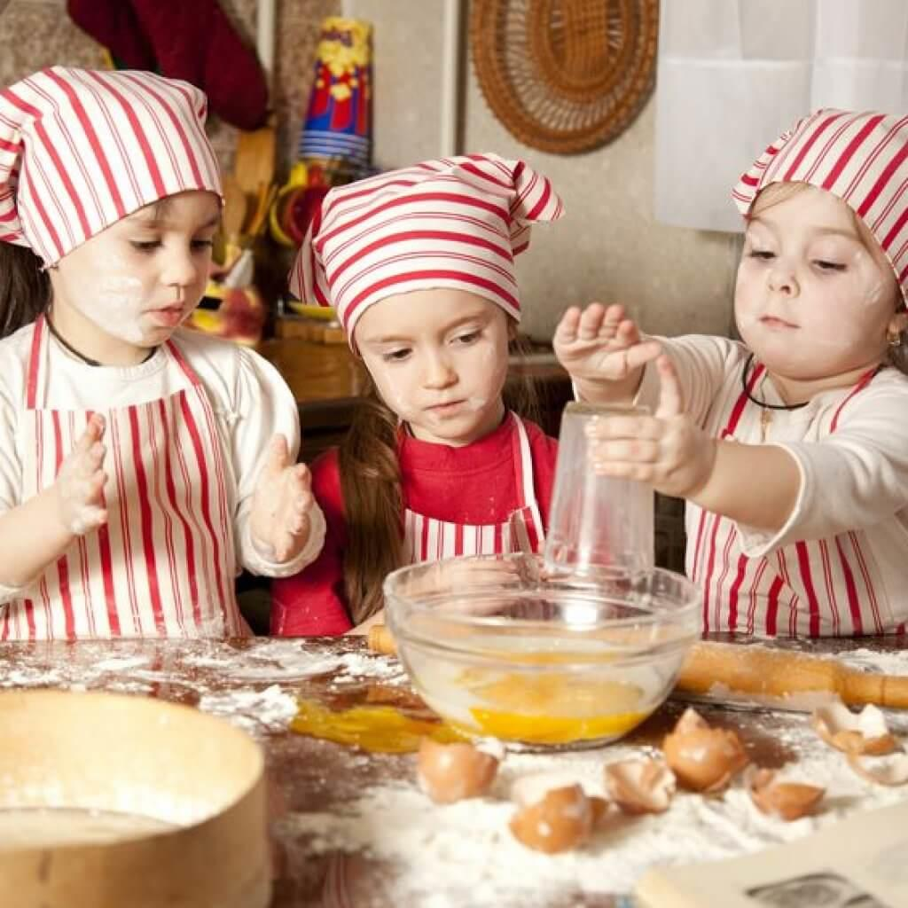 Kids-Baking-Bread-Holiday-Memory-Blog-Page