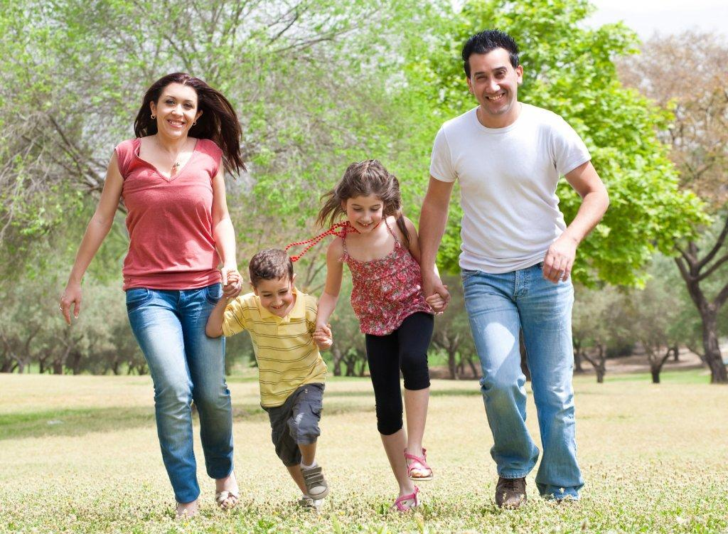 Family-Running-Together-The-Lowdown-on-Running-with-Young-Children