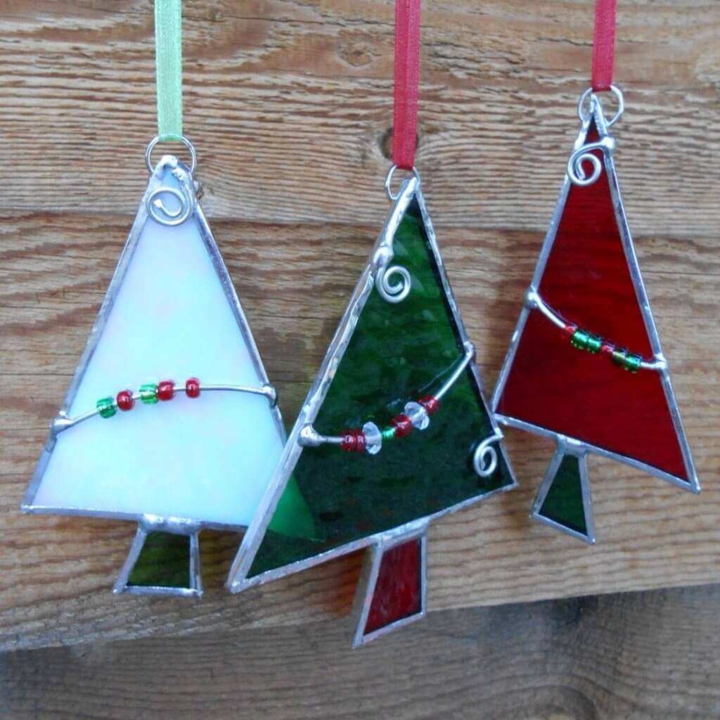 Stainglass-Christmas-Tree-Holiday-Craft-Blog-Page