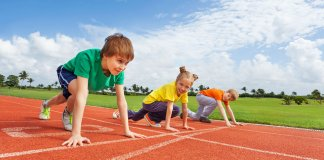 kids-athletic-shoes-feat-image-2