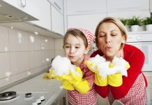 cleaning-with-children-blog-page-feat-image