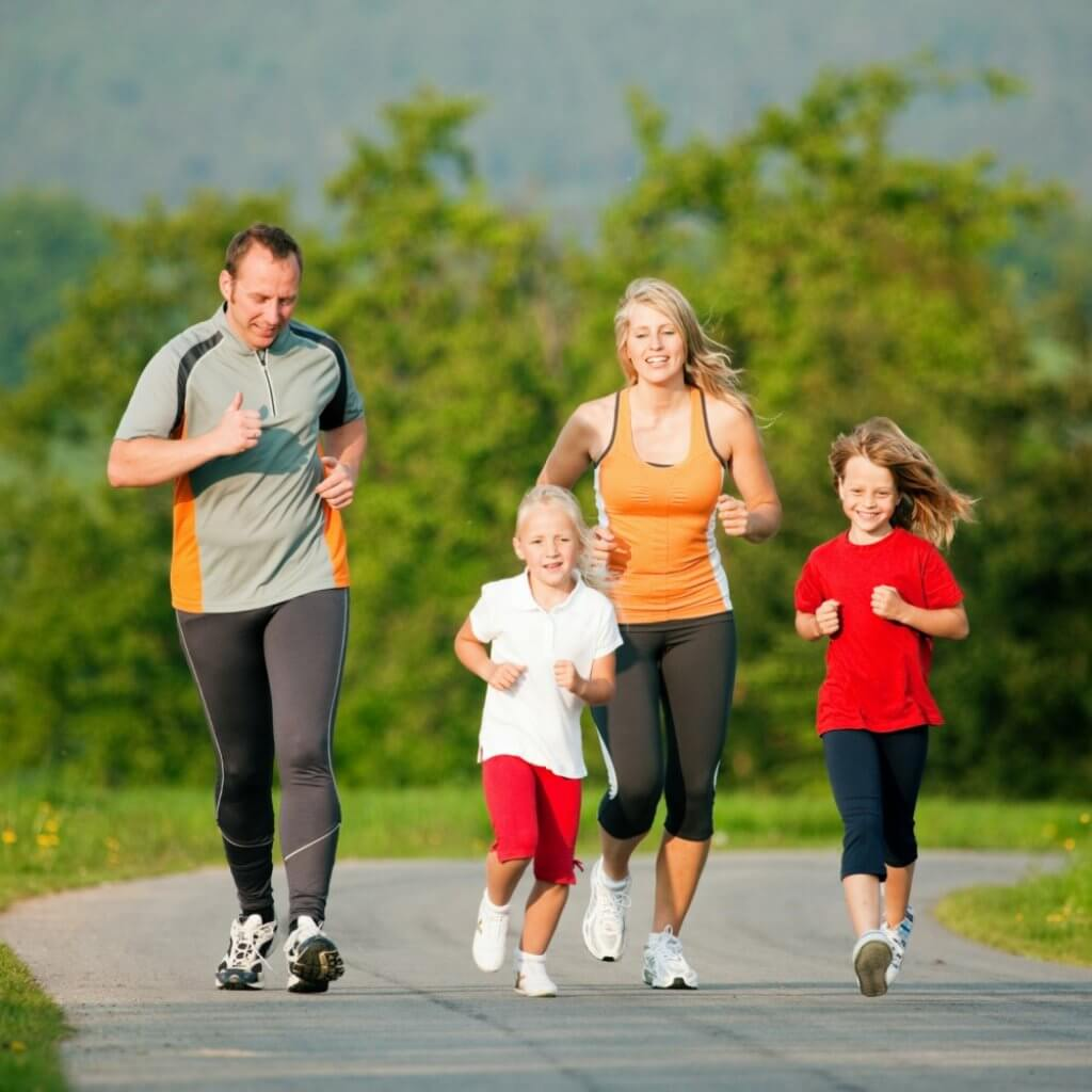exercising-family-happy-family-blog-page