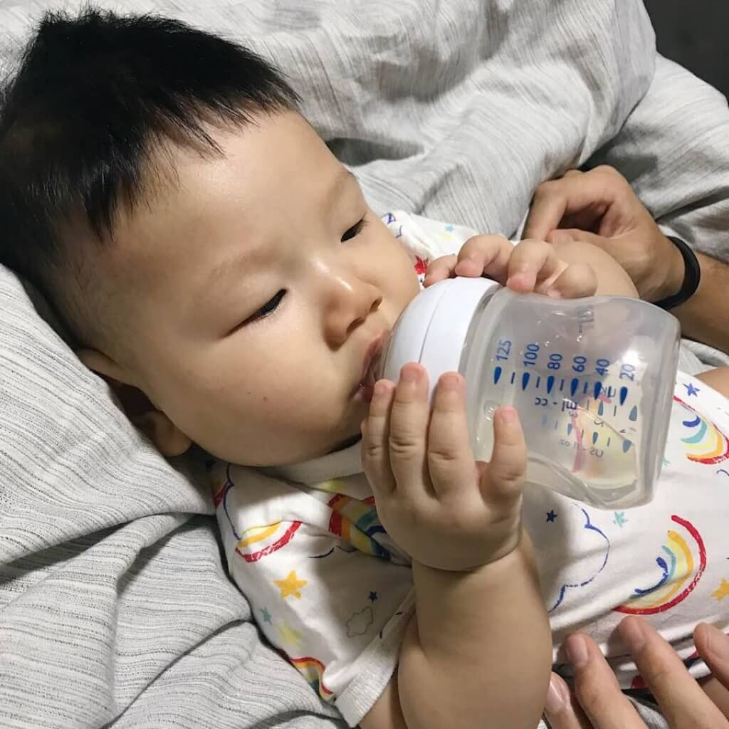 infants-drinking-water-blog-page