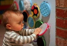 Here are the best sensory toys for your little toddlers.