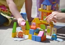 Here you can find the best educational toys for kids and toddlers.