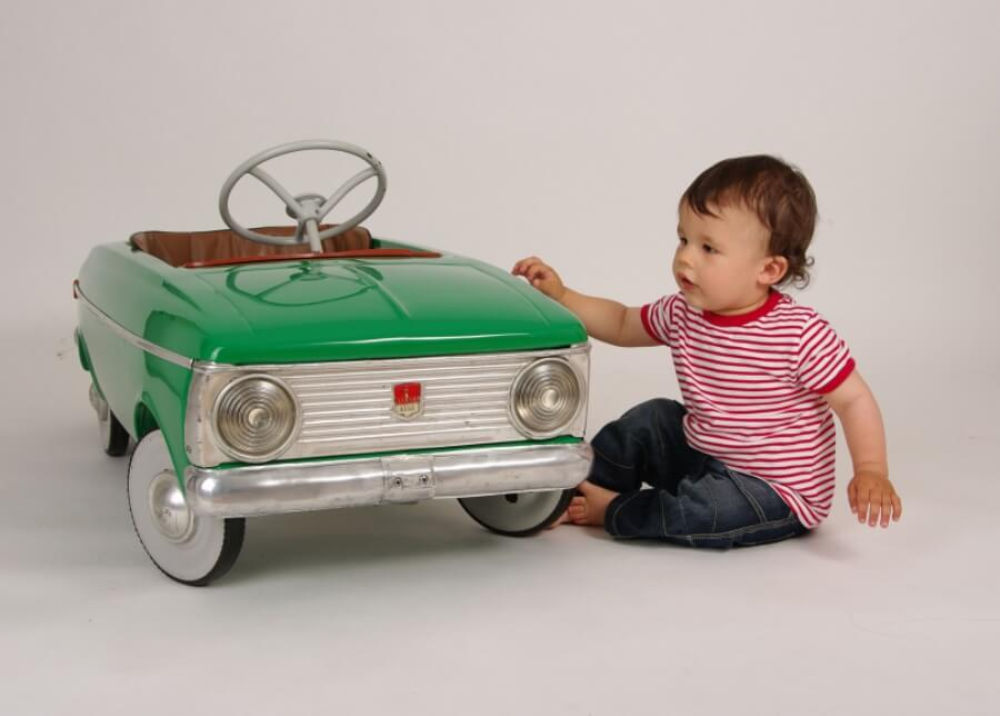 Benefits Of Ride On Toys : Best electric battery cars for kids to ride in borncute