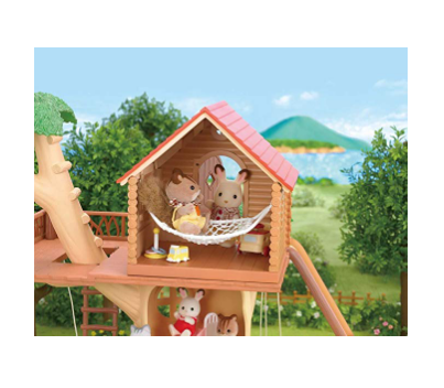The Calico Critters Adventure Tree House has realistic details.