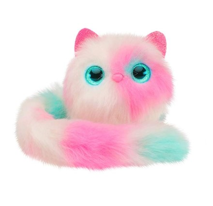 The Pomsies Patches Plush Interactive Toy has a twist and lock tail.