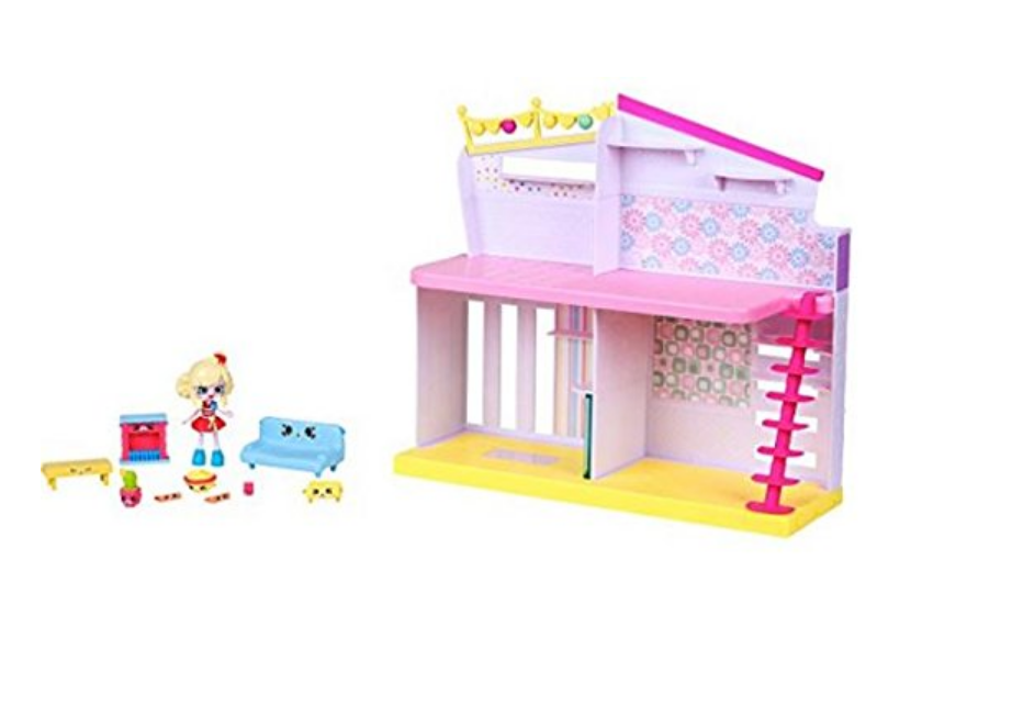 The Shopkins Happy Places Happy Home comes with mini figurines.