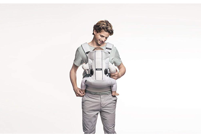 BabyBjorn Air One ergonomic design