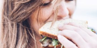 We can help you spot the early signs of eating disorders in teenagers.