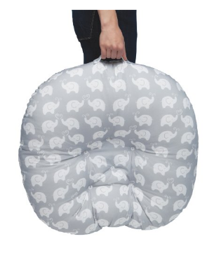 The Boppy Newborn Lounger is lightweight & has a convenient handle for easy carrying.