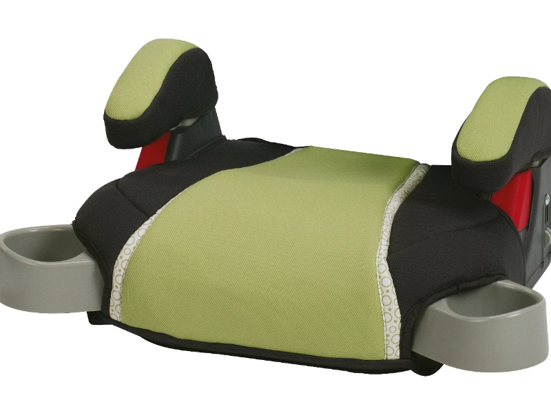The Graco Highback Turbobooster Car Seat Go Green is easy to install.
