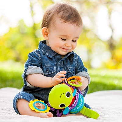 Infantino Hug and Tug Musical car seat toy baby play