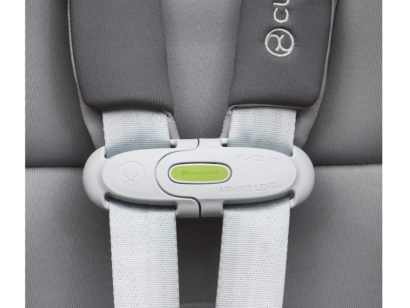 The CYBEX Sirona M SensorSafe 2.0 features a one-pull LATCH removal system.