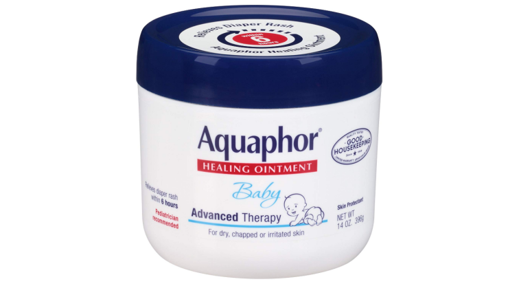 The Aquaphor Baby Healing Ointment restores the smoothness of the skin.