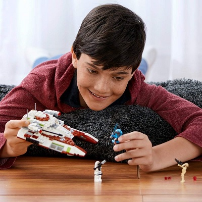 LEGO star wars republic fighter tank play