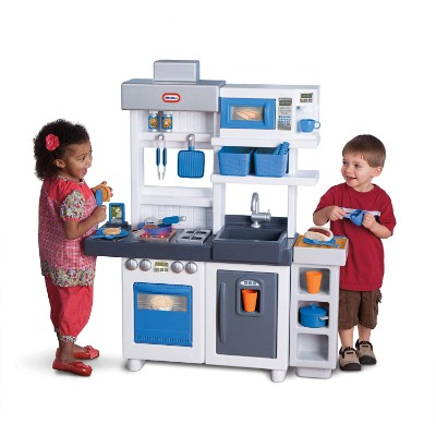 little tikes ultimate cook play kitchen for kids and toddlers playtime