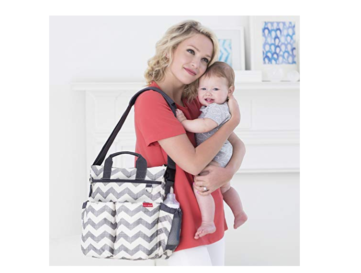 The Skip Hop Duo Diaper Bag is comfortable and easy to carry.