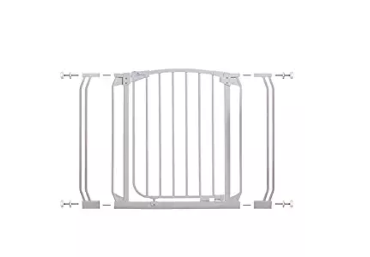 The Dreambaby Chelsea Security Gate is very easy to use.