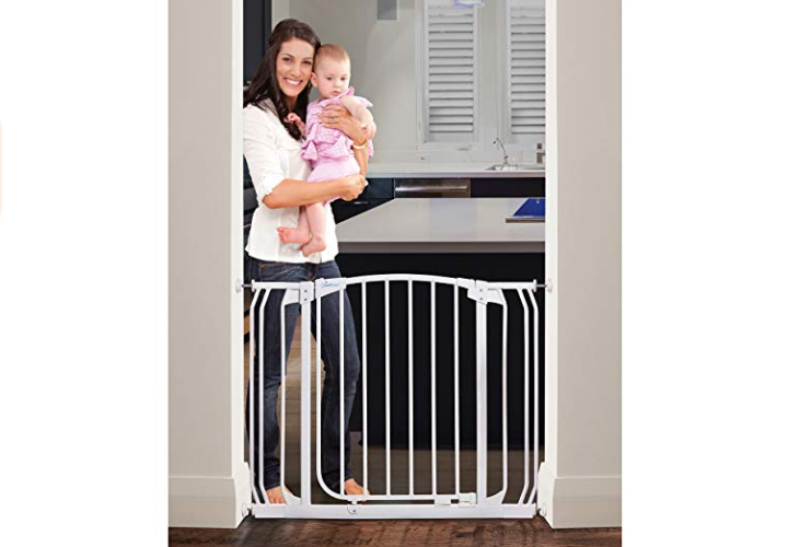 The Dreambaby Chelsea Security Gate is JPMA and ASTM Certified.