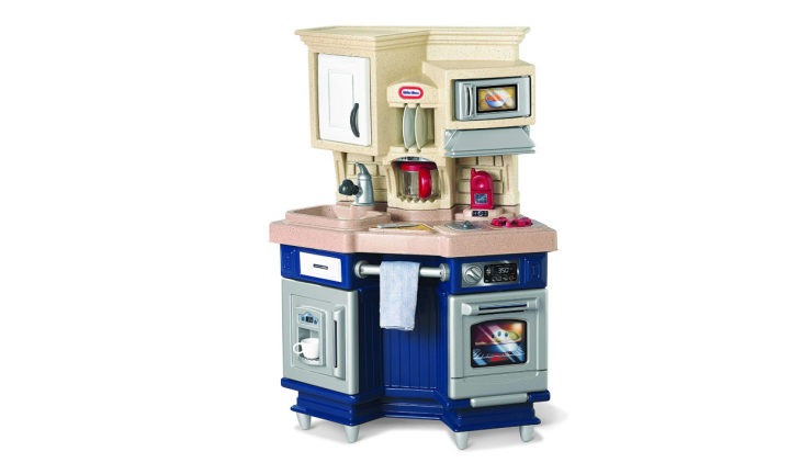 The Little Tikes Super Chef Kitchen is compact and stylish.