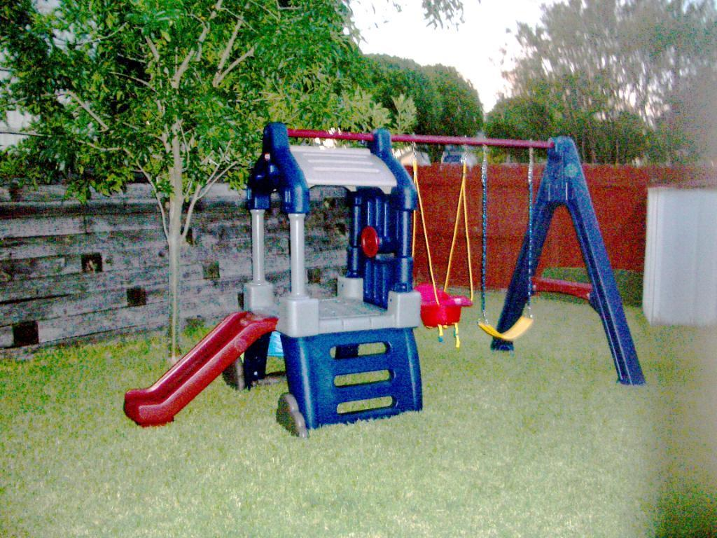 Little Tikes Clubhouse Swing Set can fit in any backyard.