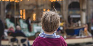 We share some useful tips how to keep your kids safe in crowded places.