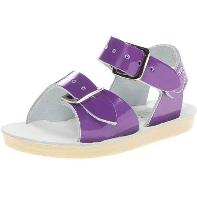 Femizee Closed-Toe Casual Outdoor Flats