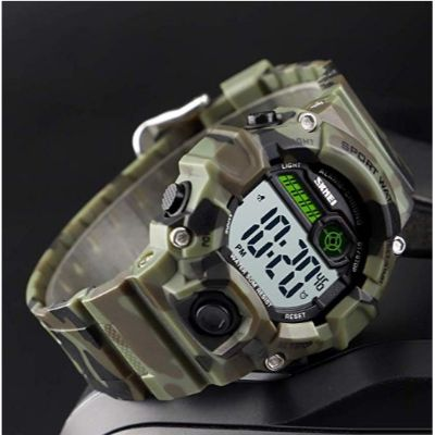 boys camouflage LED sports watch for kids angle