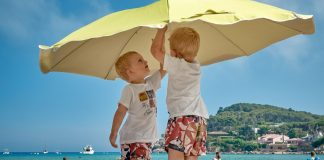 Read about the do's and don'ts of parenting twins.