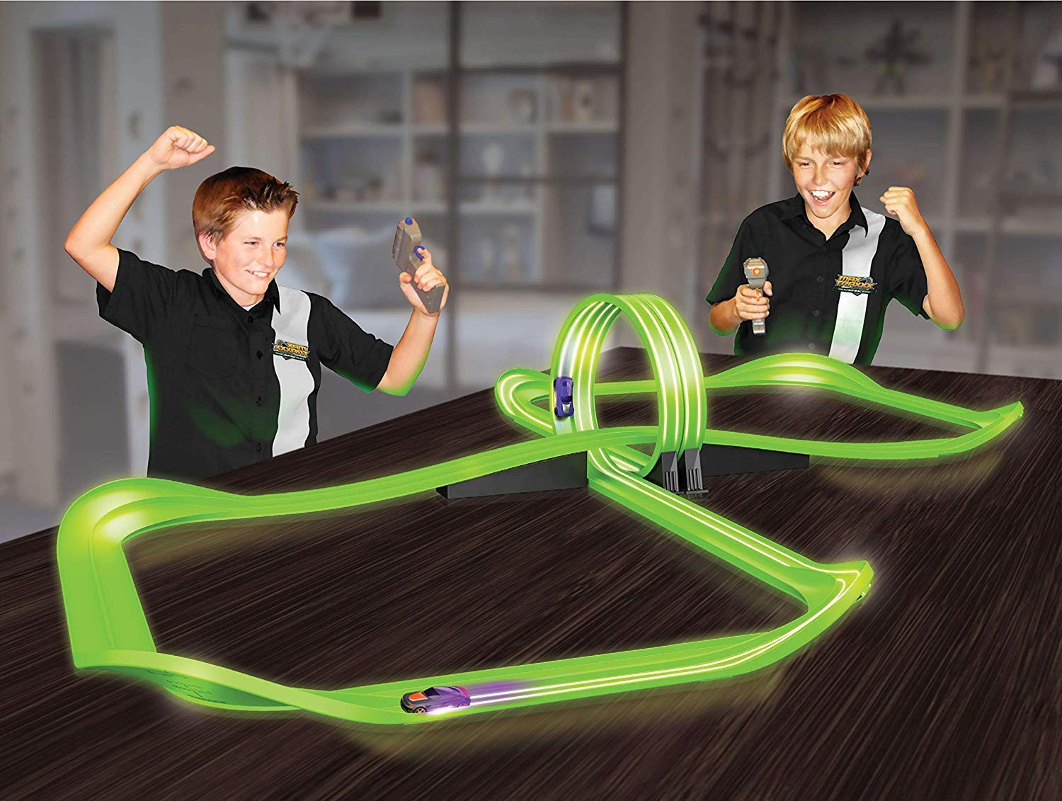 The Tracer Racers Remote Control Infinity Loop Set requires batteries.