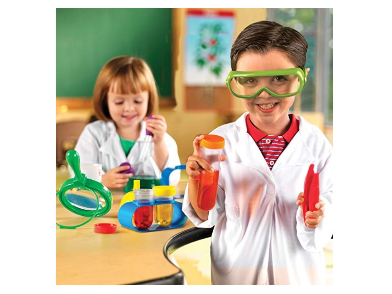 Young children will learn the basis of science with the Primary Science Lab Set R.