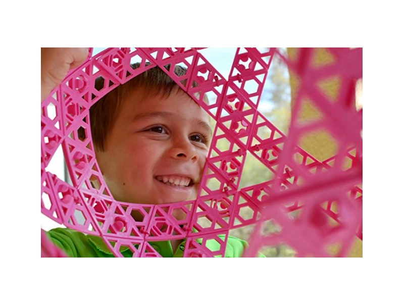 The Qubits STEM Construction Toy Kit sparks children creativity.