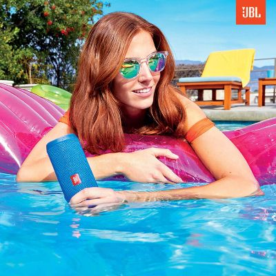 JBL Flip 4 Waterproof Speaker Pool