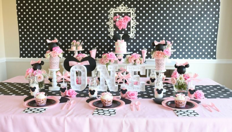 minnie mouse first birthday theme