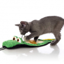 hartz gator just for cats toy