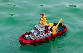 10 Best Remote Control Boats Reviewed in 2020