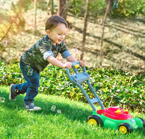 Sunny Days Entertainment Bubble-N-Go Deluxe Toy Lawn Mower display