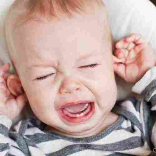 Teething-Baby-Pain-Phrase-All-About-Teething-Blog-page