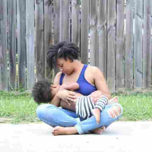 breastfeeding-mama-infant-water-blog-page
