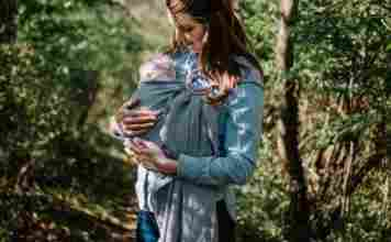 Here are some advice on the right time to show the outside world to your baby.