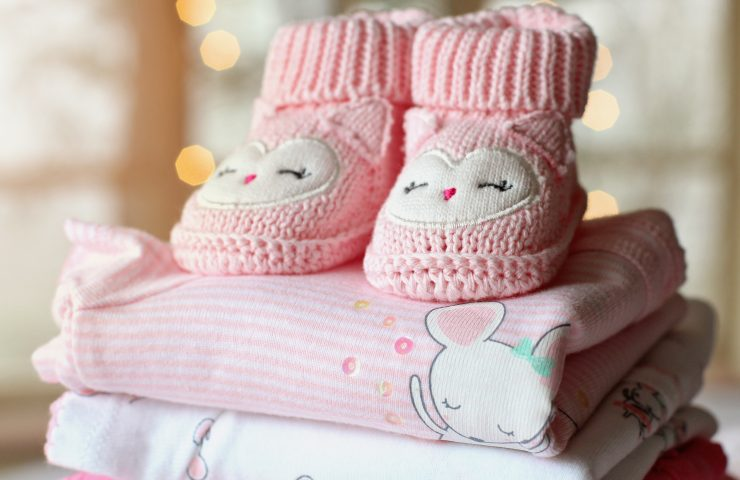 Here we outline all the tricks and tips of how to clean your baby clothes.