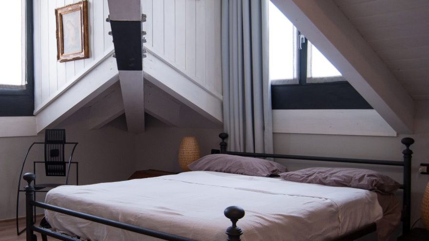 Read some useful tips and tricks for cleaning your mattress.