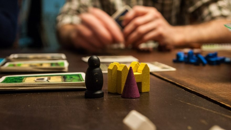 Here you can read all about the benefits of board games for your children.