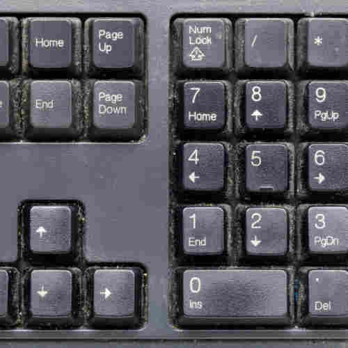 dirty-keyboard-home-cleaning-blog-page