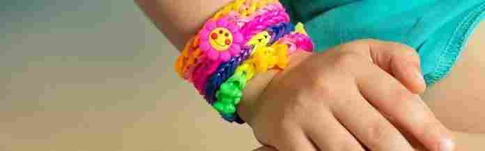 kids-foot-and-a-bracelet-around-it