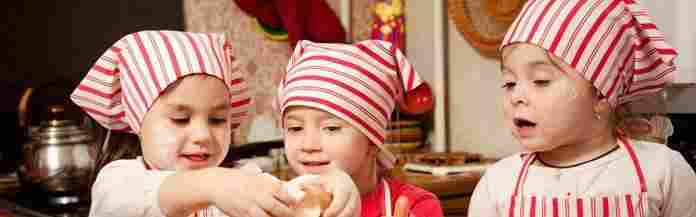 kids-playing-and-baking-cookies