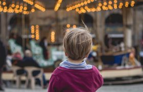 How to Keep your Kids Safe in Crowded Areas
